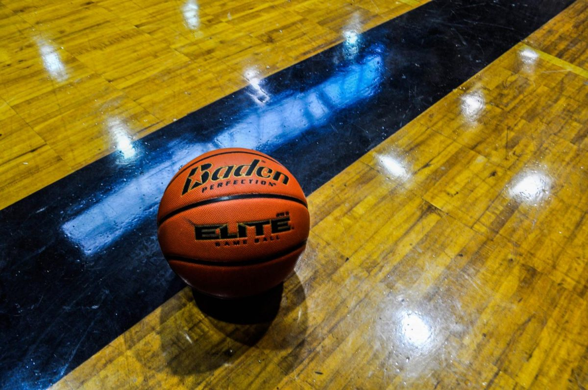 There+will+be+some+new+faces+playing+varsity+on+the+court+for+boys+basketball+this+year.+The+season+kicks+off+in+November.+