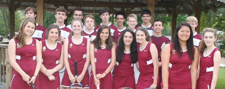 Northlake+Christian%27s+tennis+team+takes+team+photo+from+previous+year.
