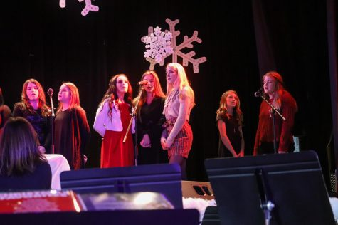 Christmas Chapel gives students platform to perform, honors Christ