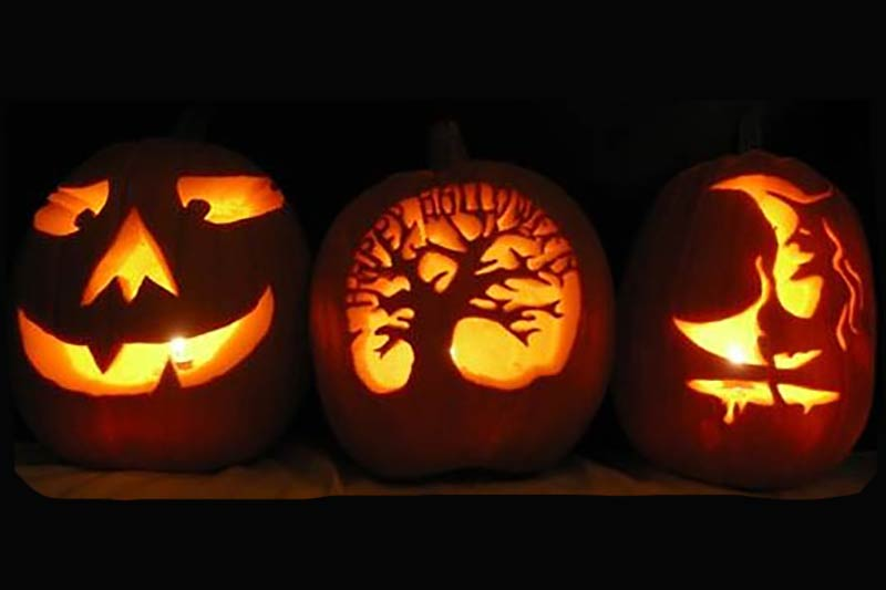 Carved+pumpkin+at+halloween